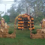 Front Yard-Pumpkin House, Scarecrows, etc. 2010